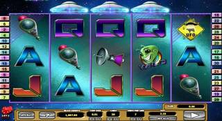 cosmic invaders slot
